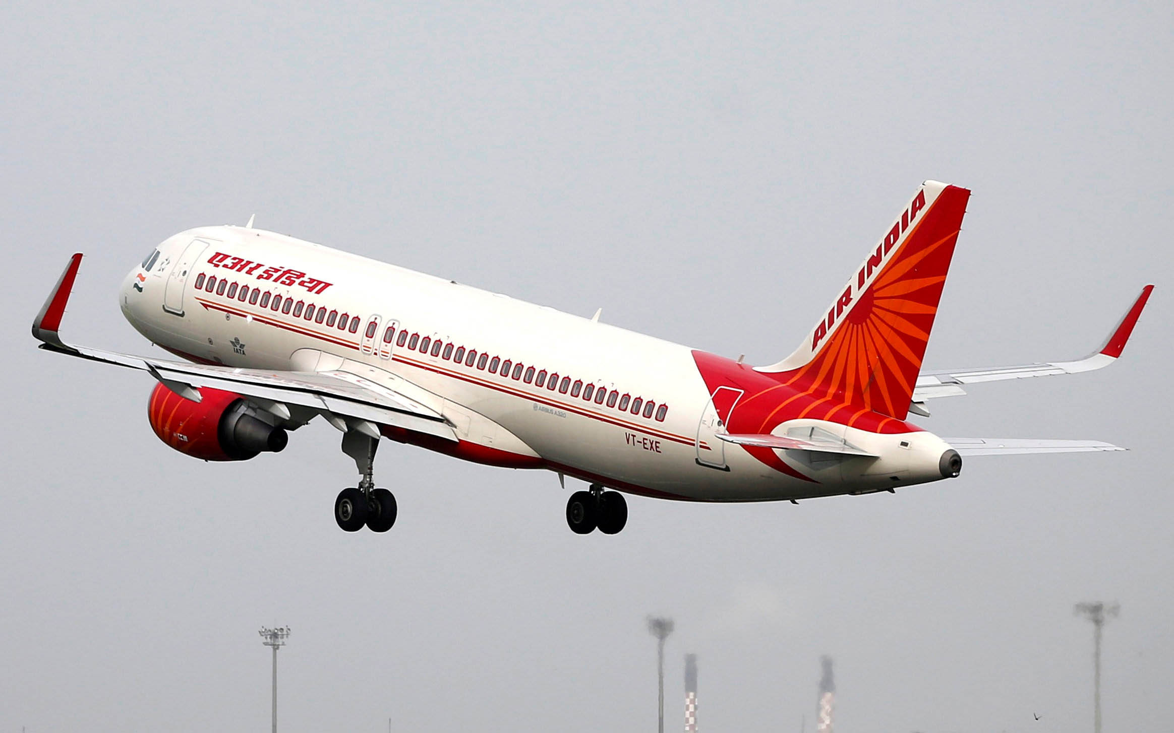 FILE PHOTO: An Air India aircraft takes off from the Sardar Vallabhbhai Patel International Airport in Ahmedabad, India, July 7, 2017.  Photo: Reuters