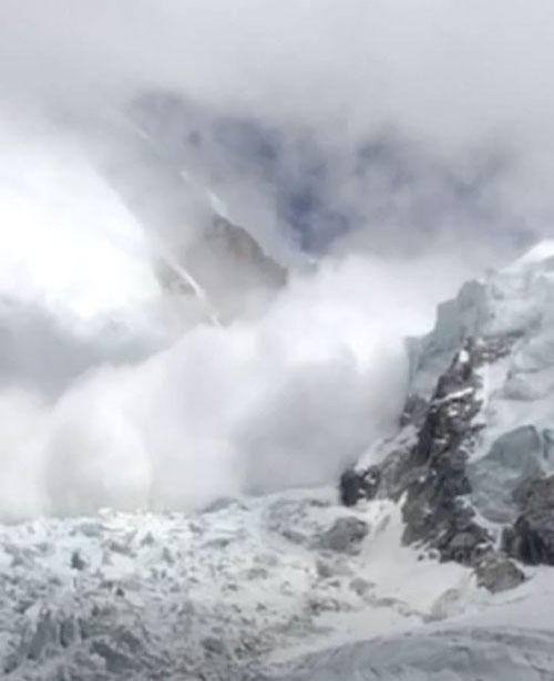 The avalanche that struck between Khumbu Icefall and Camp I on Mt Everest, as pictured on May 23, 2018.