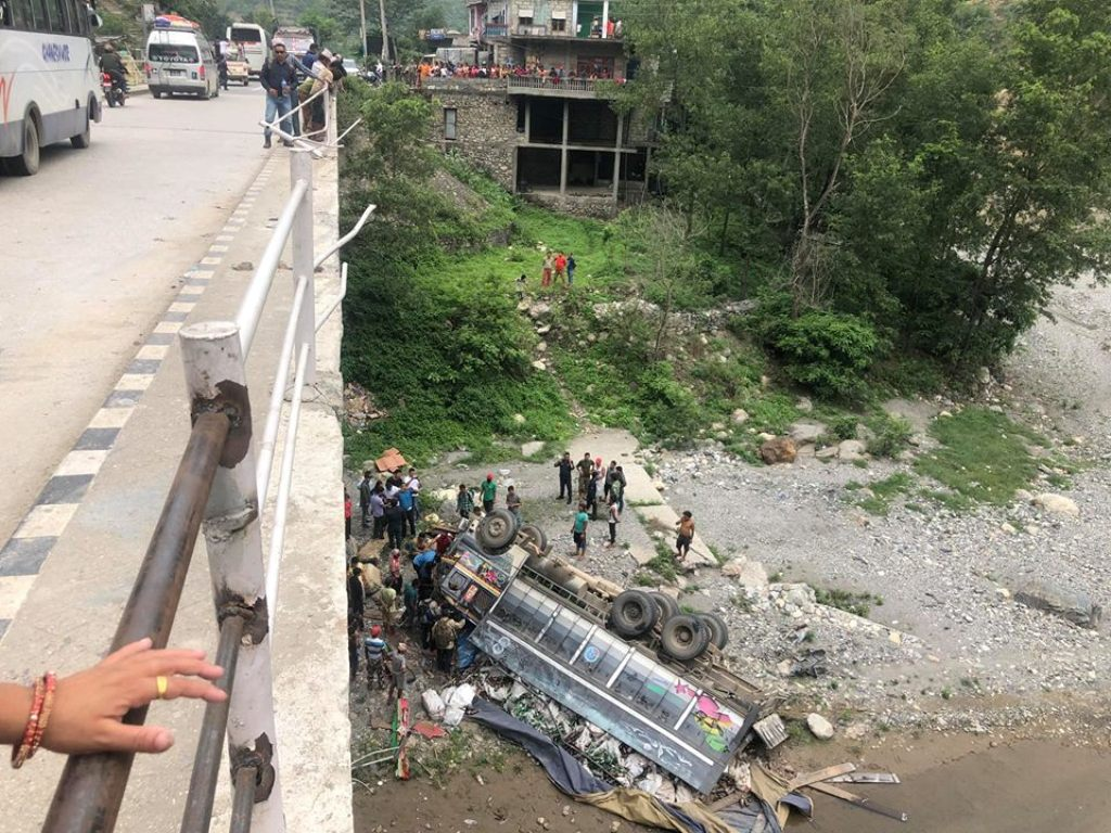 The truck rammed into the bridge-railings before landing turtle 20 metres down the bridge at Hugdi River bank.