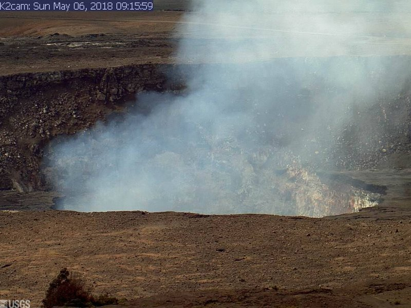 This Sunday, May 6, 2018, image from a research camera mounted in the observation tower at the Hawaiian Volcano Observatory and provided by the US Geological Survey, shows the summit of the Kilauea volcano on the Big Island of Hawaii. Photo: AP