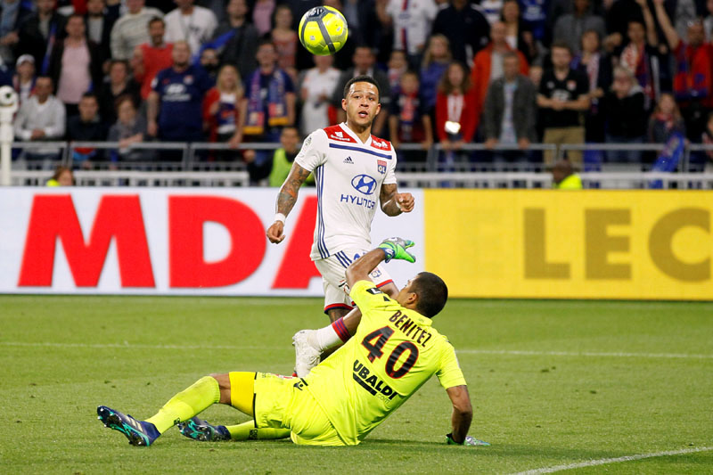 Lyon's Memphis Depay scores their third goal and completes his hat-trick, in the Ligue 1 match between Olympique Lyonnais and OGC Nice, at Groupama Stadium, Lyon, France, on Saturday May 19, 2018. Photo: Reuters