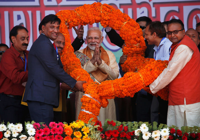 India's Prime Minister Narendra Modi is offered a 121 kg garland during the civic felicitation in Janakpur, Nepal, on Friday, May 11, 2018. Photo: REUTERS
