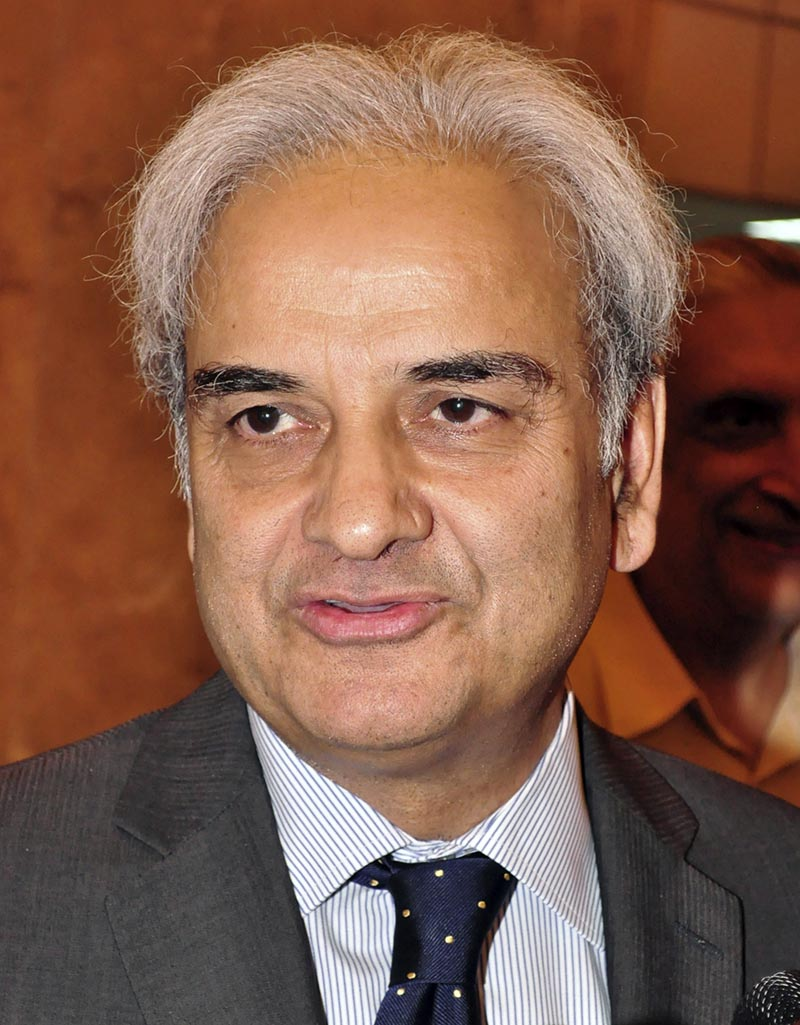 Former Pakistani Chief Justice Nasir-ul-Mulk speaks to reporters in Islamabad, Pakistan, on July 5, 2014. Photo: AP/ File