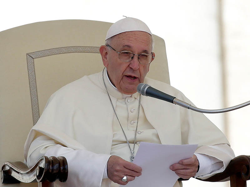 Pope Francis speaks during the Wednesday general audience in Saint Peter's square at the Vatican, May 16, 2018. Photo: Reuters