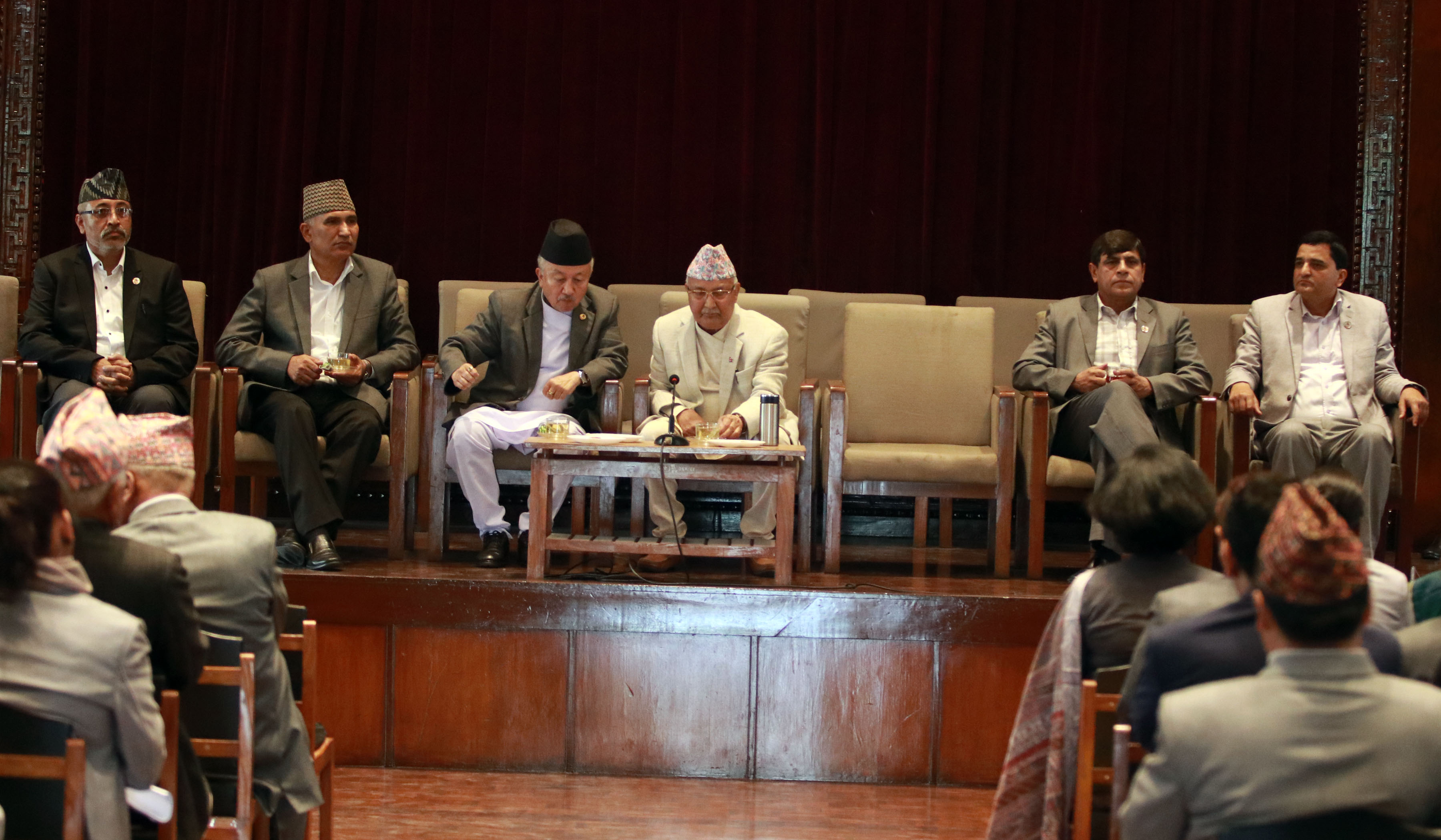 Prime Minister and Chair of CPN UML KP Sharma Oli holding a parliamentary party meeting with CPN UML lawmakers at New Baneshwor on May 6, 2018. Photo:RSS