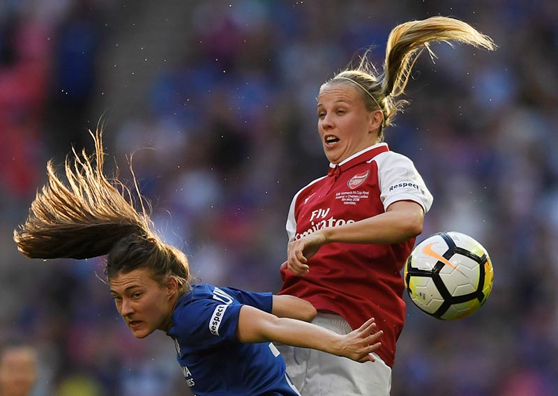 Chelseau2019s Hannah Blundell in action with Arsenalu2019s Beth Mead during the Women's FA Cup Final match between Arsenal and Chelsea, at Wembley Stadium, in London, Britain, on May 5, 2018. Photo: Action Images via Reuters
