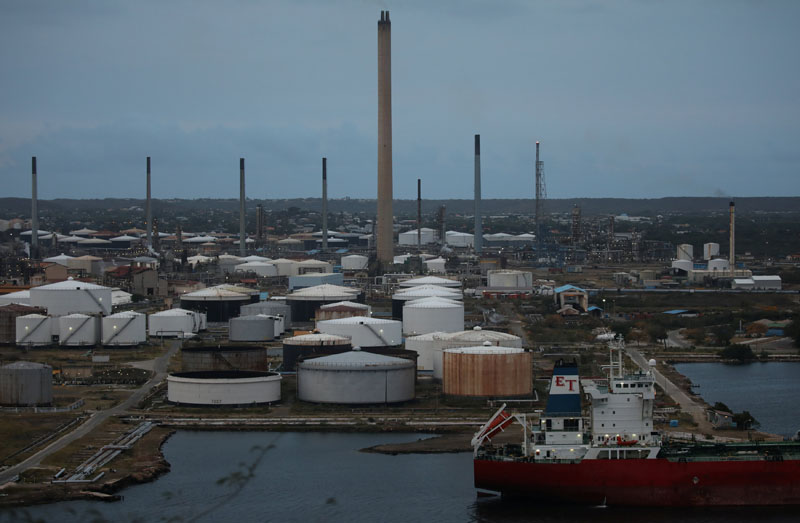 A general view shows the Isla refinery in Willemstad on the island of Curacao, April 22, 2018. Picture taken April 22, 2018. REUTERS/Andres Martinez Casares