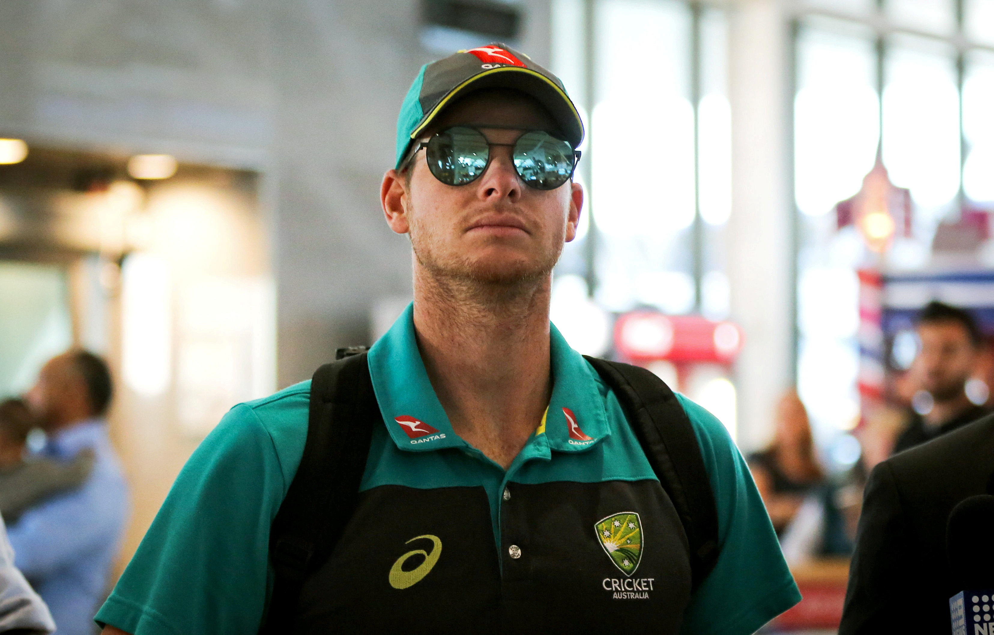 FILE PHOTO: Former Australia cricket test captain Steve Smith arrives at Cape Town International Airport, South Africa March 27,2018. REUTERS/Sumaya Hisham/File Photo