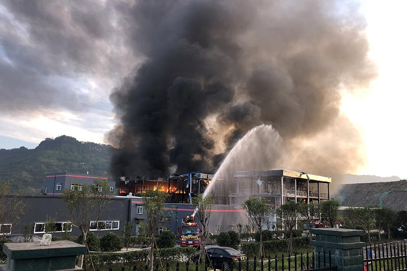 Rescue workers try to put out a fire after an explosion at a chemical plant inside an industrial park in Yibin, Sichuan province, China, on July 12, 2018. Picture taken July 12, 2018. Photo: Daily via Reuters