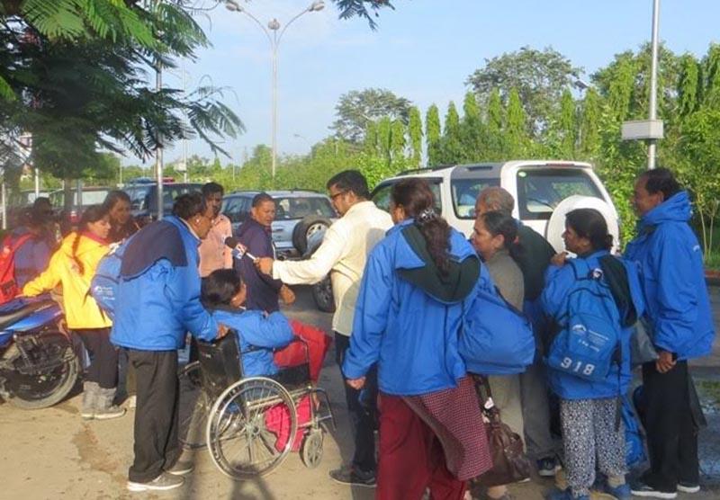 Injured Indian pilgrims, who returned from KailashMansarovar, in Nepalgunj Airport, Banke, on Thursday. Photo: THT