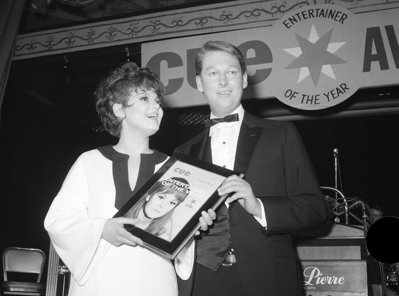 FILE - In this photo, Barbara Harris, star of u201cThe Apple Treeu201d receives Cue Magazineu2019s u201cEntertainer of the Yearu201d award from last yearu2019s winner, director Mike Nichols in New York on Jan. 4, 1967. Photo: AP