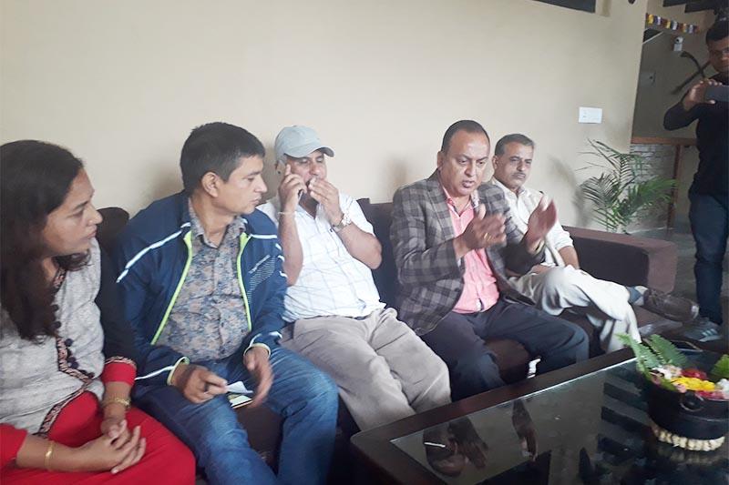 Nepali Congress central member Shankar Bhandari (second from right) responding to mediapersons in Pokhara of Kaski district, on Wednesday, September 26, 2018. Photo: Rishi Ram Baral/THT