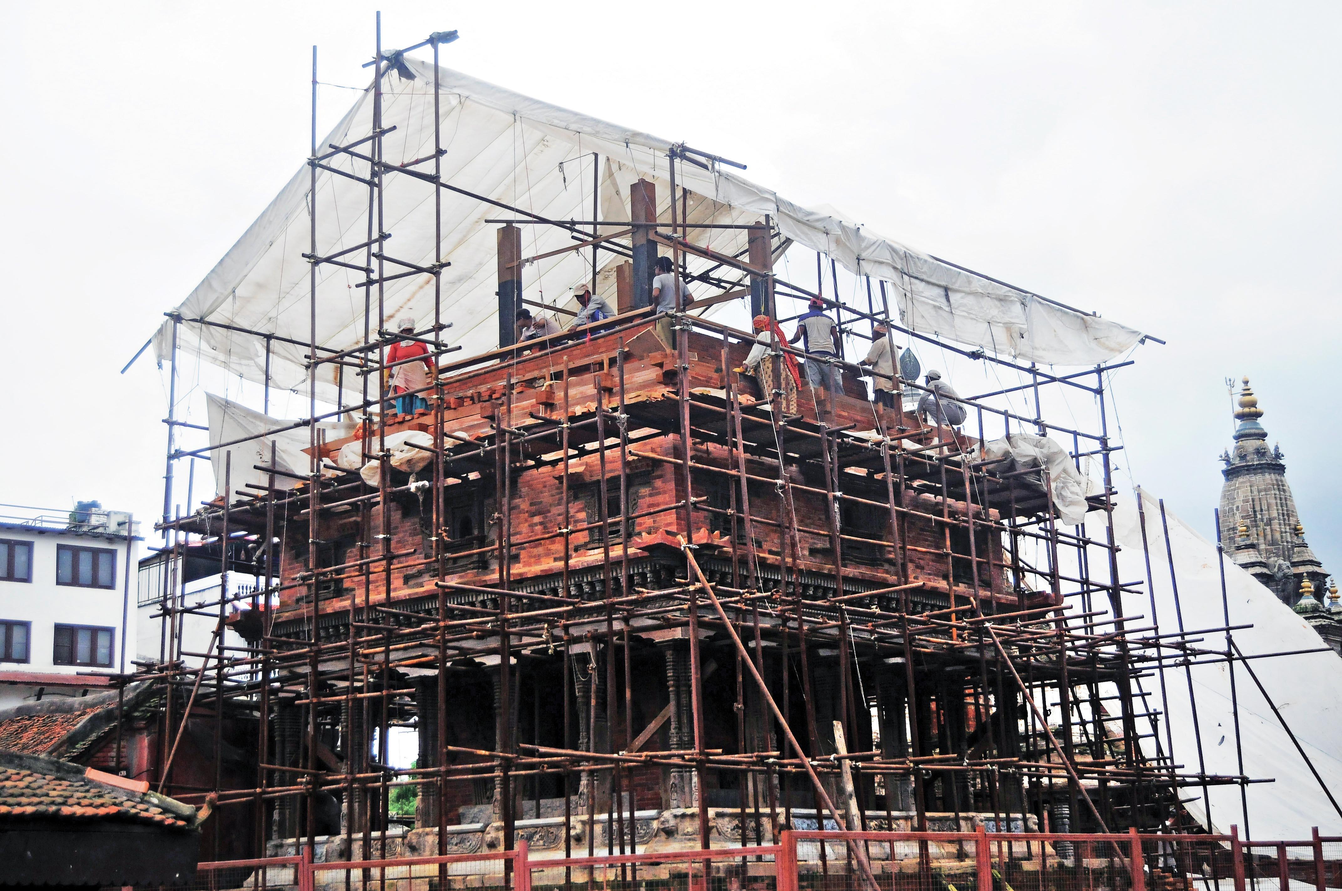 Reconstruction of a temple in progress in Patan Durbar Square, Lalitpur, on Tuesday, September 4, 2018. Photo: Balkrishna Thapa Chhetri/THT