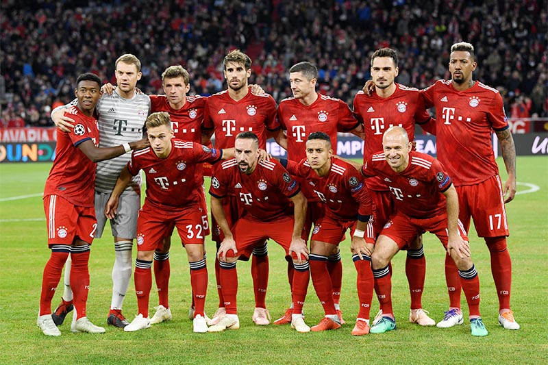 Bayern Munich team group before the match. Photo: Reuters