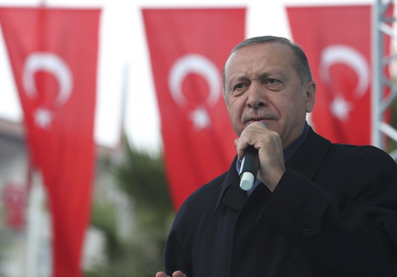 Turkish President Recep Tayyip Erdogan, delivers a speech at supporters in Istanbul, on Sunday, Oct. 21, 2018. Photo: AP