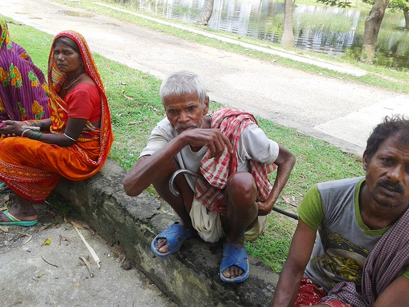 This image shows 84-year-old Gosain Mandal (centre), in Maleth of Rajbiraj Municipality-9, Saptari district, on Thursday, October 25, 2018. Mandal's eldest son Pitambar was killed in police firing at a venue where the then CPN-UML was organising a programme as per its Mechi-Mahakali campaign in defiance of Madhes-based parties, on March 6, 2018. Photo: Byas Shankar Upadhyay