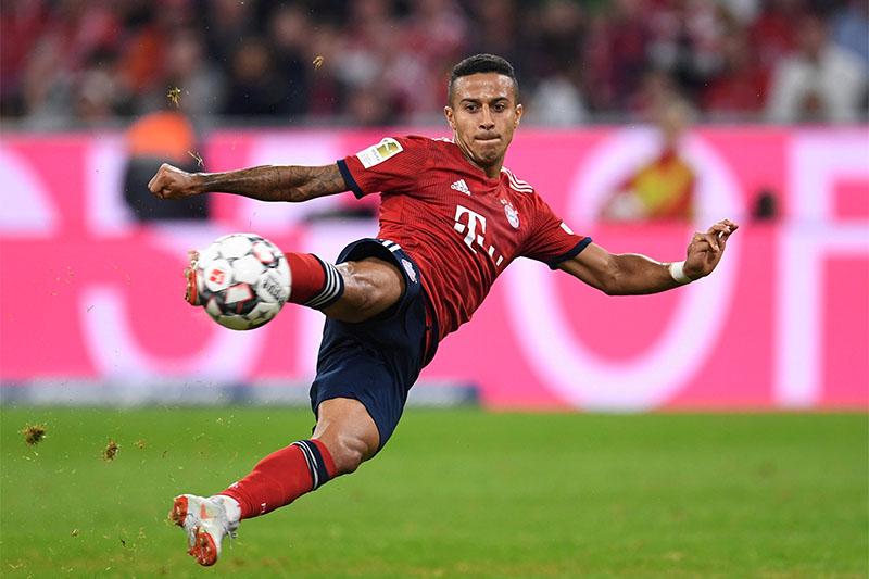Bayern Munich's Thiago shoots at goal. Photo: Reuters