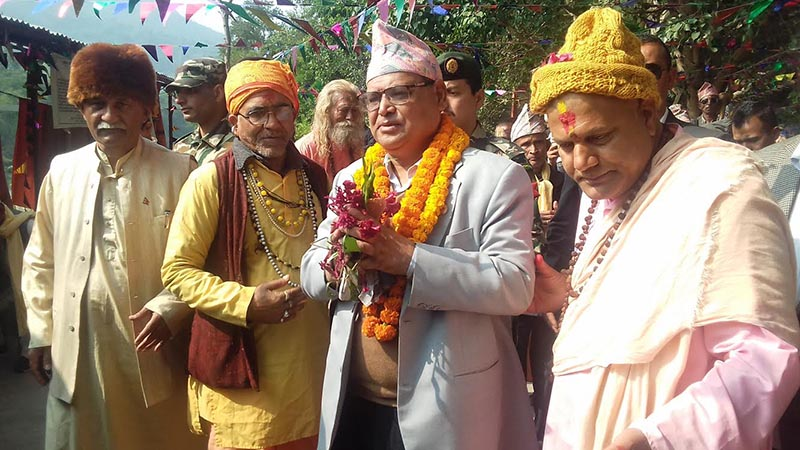 Speaker of the House of Representatives Krishna Bahadur Mahara being welcomed for the inauguration of a tourism festival, in Damauli, Tanahun, on Friday, November 16, 2018. Photo: THT