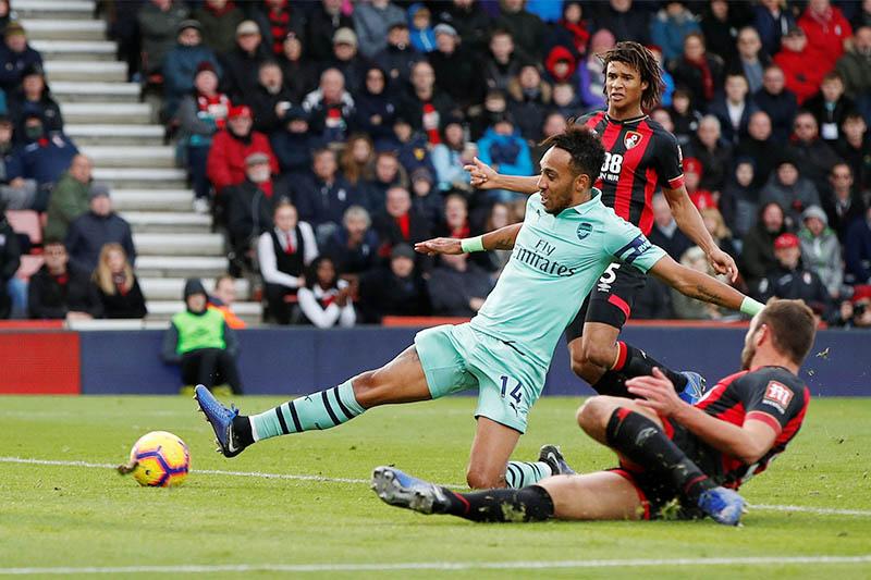 Arsenal's Pierre-Emerick Aubameyang scores their second goal. Photo: Reuters