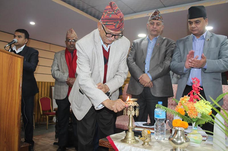 Province 3 Chief Minister Dormani Poudel inaugurating a workshop organised by National Planning Commission, in Hetuada, on Saturday. Photo: THT