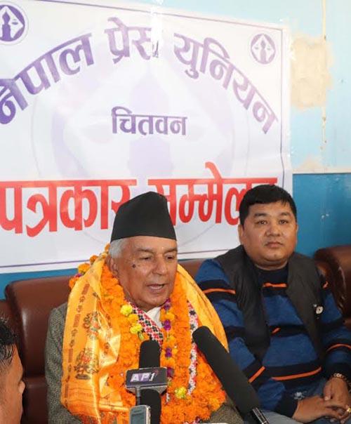 Senior leader of Nepali Congress Ramchandra Paudel speaking at a press meet organised by Nepal Press Union, Chitwan,  at Bharatpur Airport, on Tuesday, November 13, 2018. Photo: THT