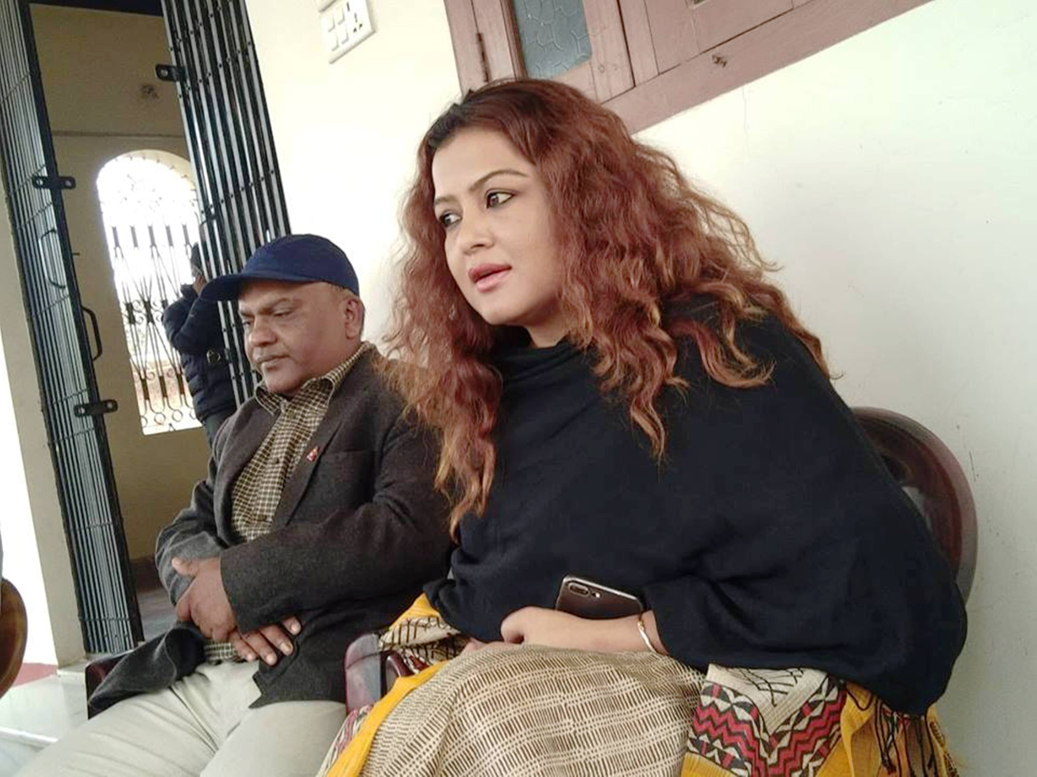 Actress Rekha Thapa speaks to media persons at Gaur on Wednesday, November 28, 2018. Photo: Prabhat Kumar Jha/THT