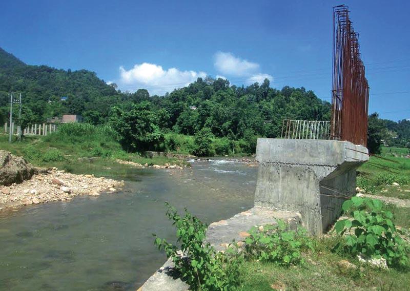 An under-construction bridge over Sange Khola, in Tanahun, on Thursday, November 1, 2018. Photo: THT