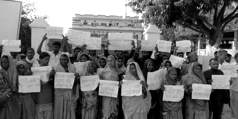Locals staging sit-in demanding arrest of rape accused, in Sukhipur Municipality, Siraha, on Thursday. Photo: THT