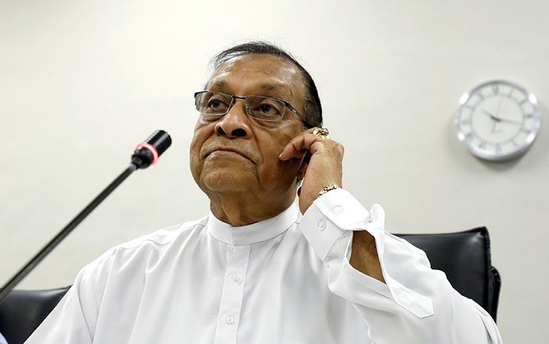 Karu Jayasuriya, Speaker of the Parliament of Sri Lanka, attend a party leaders and members meeting at the parliament in Colombo, Sri Lanka November 2, 2018. Photo: Reuters