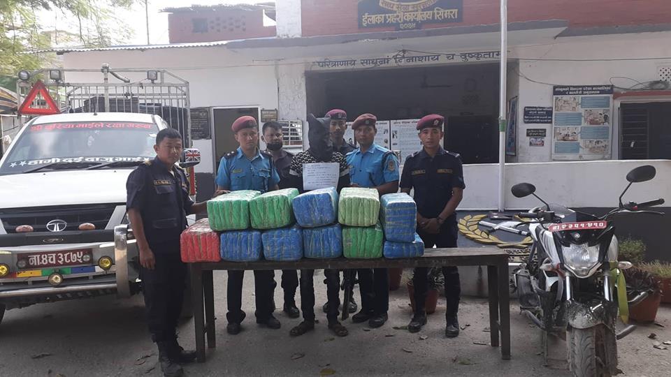Police make public a man arrested while hauling the packets of marijuana from Birgunj to Hetauda on Saturday, November 03, 2018. Photo: Puspa Raj Khatiwada/THT