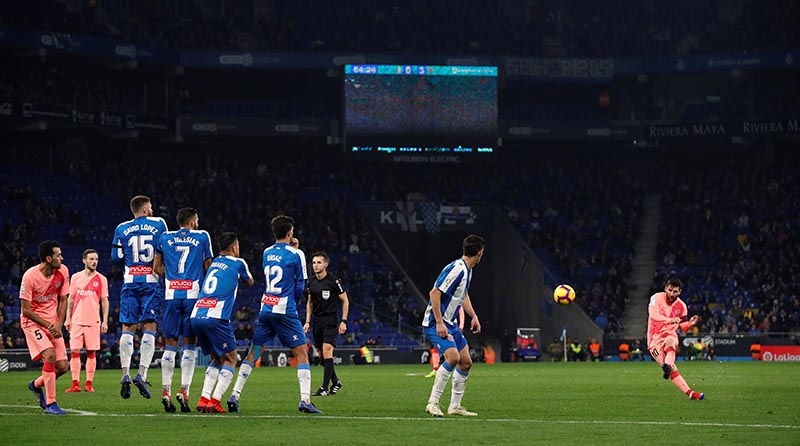 Barcelona's Lionel Messi scores their fourth goal during the La Liga Santander match between Espanyol and FC Barcelona, at RCDE Stadium, in Barcelona, Spain, on December 8, 2018. Photo: Reuters