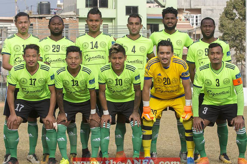 Manang Marsyangdi Club players pose prior to their match. Courtesy: ANFA/facebook