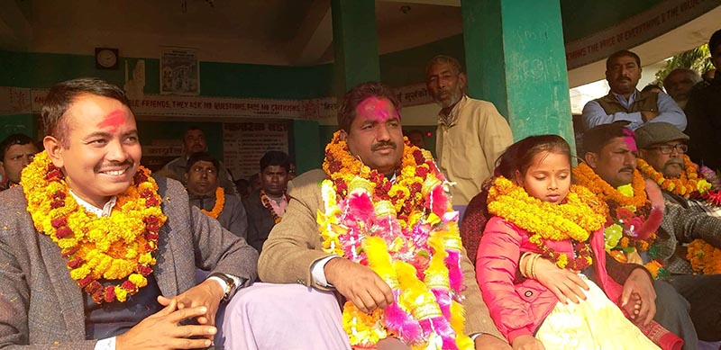 Mayor Siyaram Kushwaha being welcomed after his acquittal, in Rautahat, on Saturday. Photo: THT