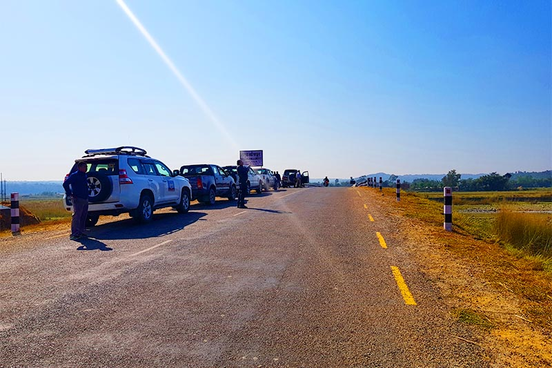 Vehicles halting in a segment of the new 73.24-kilometre  road that can be used as an alternative to cross the Koshi River in Udayapur district, on Monday, December 10, 2018. Photo: Rupak D Sharma/THT