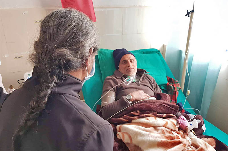 Nepathya lead singer Amrit Gurung meets agitating Dr Govinda KC at the Ilam District Hospital today. Photo: Amrit/Twitter