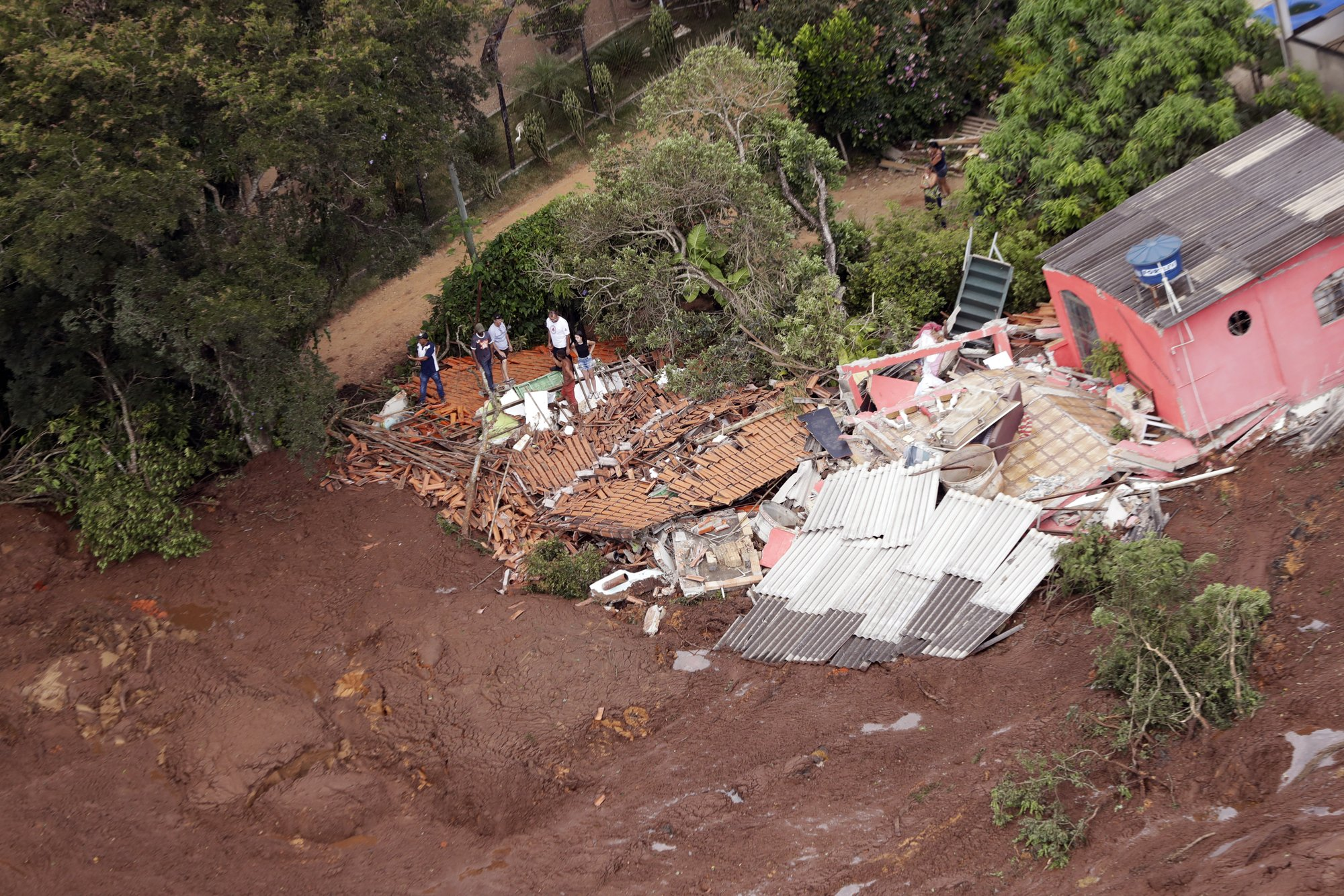 An aerial view shows a destroyed house after a dam collapsed in Brumadinho, Brazil, on Saturday, Jan. 26, 2019. Photo: AP