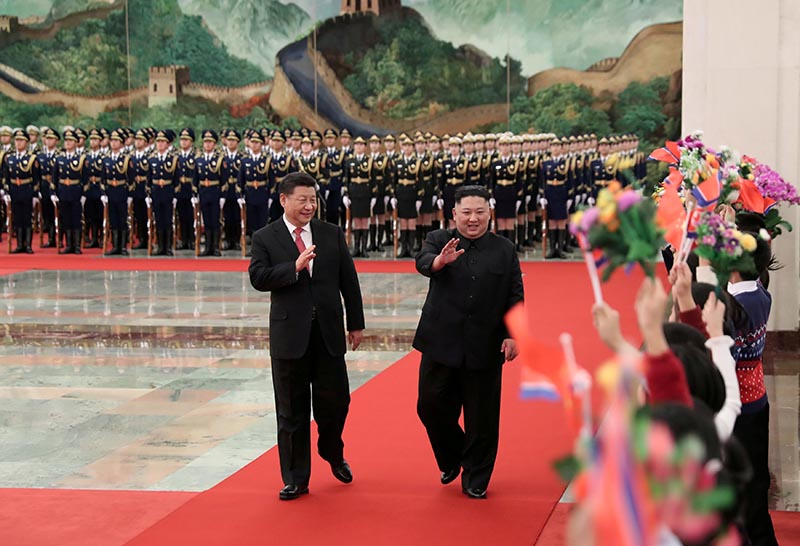 Chinese President Xi Jinping holds a welcoming ceremony for North Korean leader Kim Jong Un before their talks at the Great Hall of the People in Beijing, China January 8, 2019, in this picture released by Xinhua January 10, 2019.  Photo: Huang Jingwen/Xinhua via Reuters