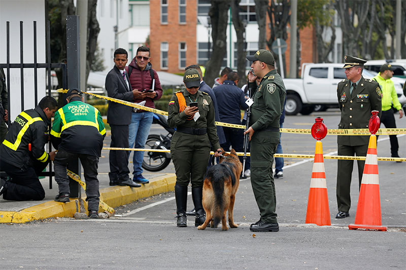 Police work close to the scene where a car bomb exploded, according to authorities, in Bogota, Colombia January 17, 2019. Photo: Reuters