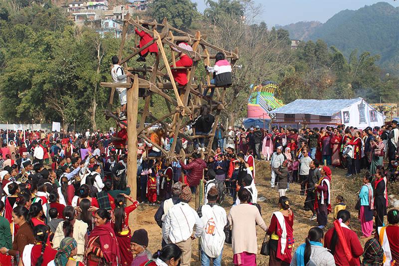 People throng Damauli Bazaar to observe  Indeginous Suklagandaki Cultrural Festival on Thursday, January 10, 2018. Photo: Madan Wagle