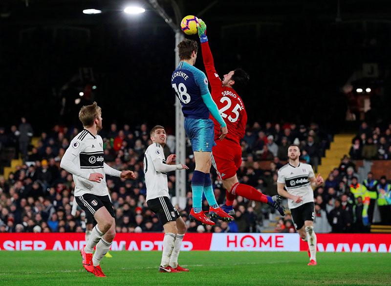 Fulham's Sergio Rico in action with Tottenham's Fernando Llorente during the Premier League match between Fulham and Tottenham Hotspur, at Craven Cottage, in London, Britain, on January 20, 2019. Photo: Action Images via Reuters