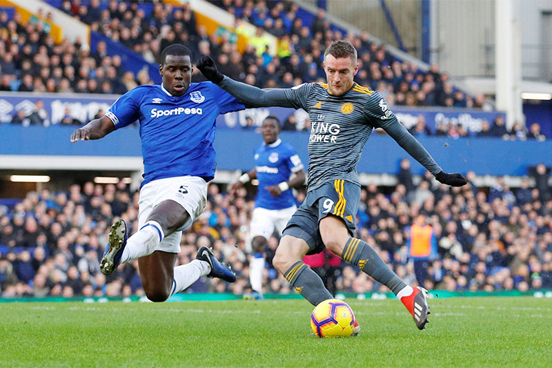 Leicester City's Jamie Vardy scores their first goal. Photo: Reuters