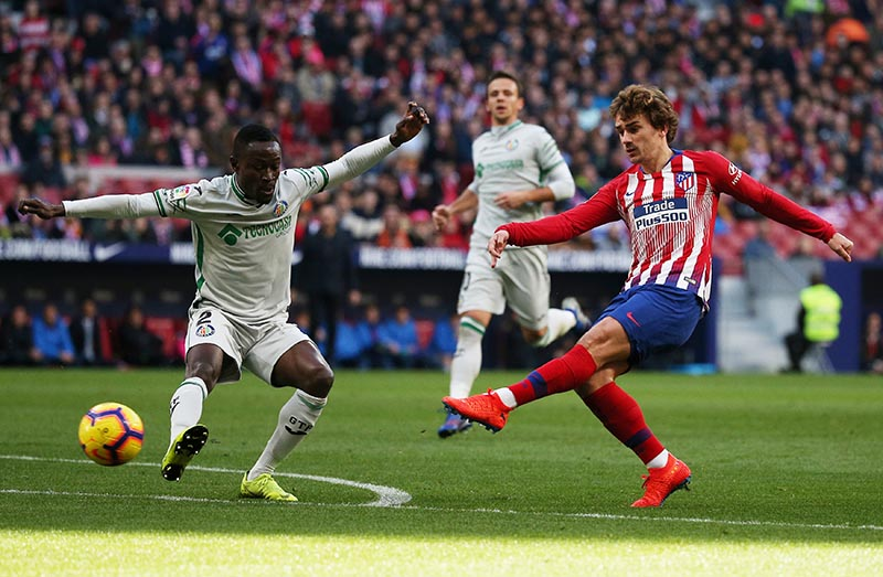 Atletico Madrid's Antoine Griezmann scores their first goal during the La Liga Santander match between Atletico Madrid and Getafe, at  Wanda Metropolitano, in Madrid, Spain, on January 26, 2019. Photo: Reuters