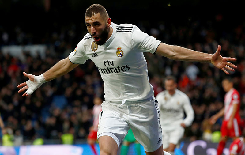 Real Madrid's Karim Benzema celebrates scoring their fourth goal during the Copa del Rey Quarter Final First Leg match between Real Madrid and Girona, at Santiago Bernabeu, in Madrid, Spain, on January 24, 2019. Photo: Reuters
