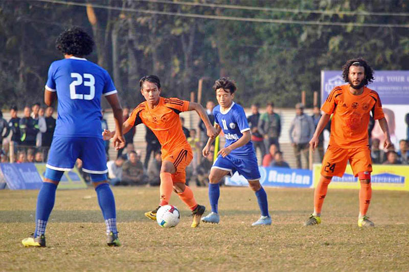 Players in action during a semi-final of the ongoing 10th Ruslan Simara Gold Cup in Bara on Thursday, January 24, 2019. Photo: Pushpa Raj Khatiwada
