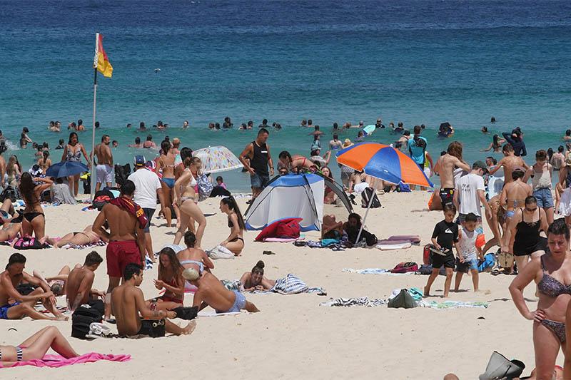 File: Beachgoers are seen at Bondi Beach, Sydney, Australia, January 15, 2019. Photo: Reuters