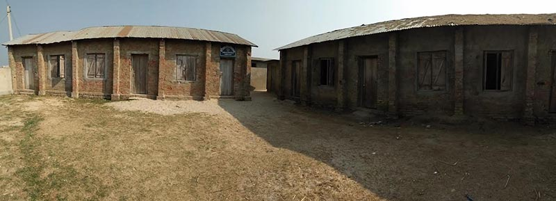 A view of Bhokraha Basic School that is on the verge of closing down as teachers hookey, in Siraha, on Monday. Photo: THT