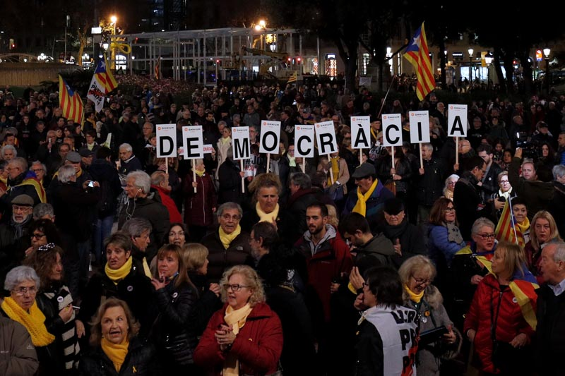 People protest against the Supreme Court at Catalunya Square in Barcelona, Spain February 12, 2019.Photo: Reuters