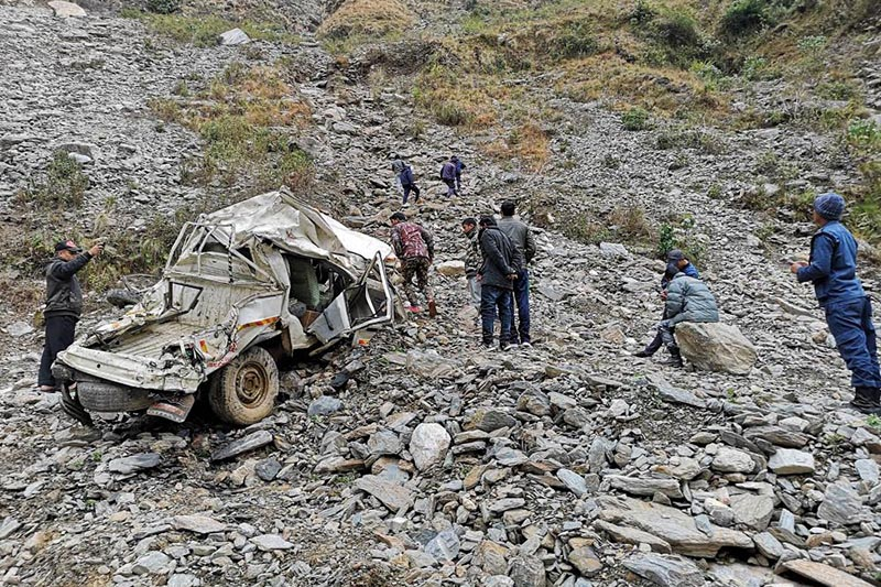 Remains of a mangled jeep that met with an accident on Firday night after it plunged into the Mahakali River at Ratakatha cliff of Duhu Rural Municipality along the Darchula-Tinkar Road section, Darchula, on Saturday. Photo: Reuters