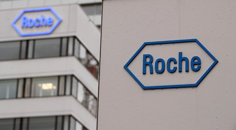 The logo of Swiss drugmaker Roche is seen at its headquarters in Basel, Switzerland February 1, 2018. Photo: Reuters/File