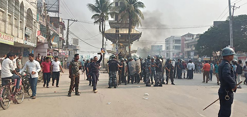Security personnel deployed after students resorted to vandalism (above); tyres set on fire in the middle of a road, in Birgunj, on Friday, March 29, 2019. Photo: Ram Sarraf/THT